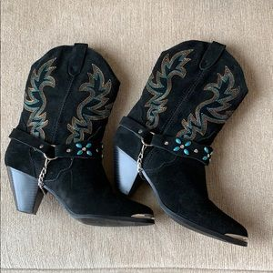 Dingo Cow Girl boots. NWT